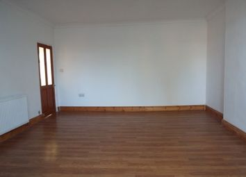 3 bed maisonette to rent in Oriental Road, Woking GU22