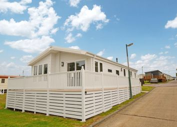 Thumbnail 2 bedroom mobile/park home for sale in Valley Road, Clacton-On-Sea