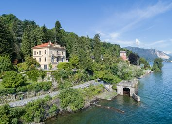 Thumbnail 6 bed villa for sale in Como (Town), Como, Lombardy, Italy