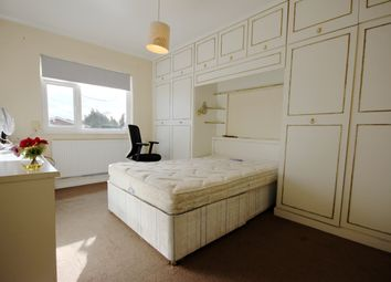 Room to rent in Cranford Lane, Heston, Hounslow TW5