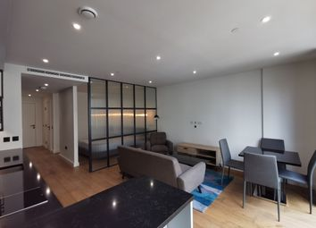 Thumbnail 1 bed flat to rent in Gauging Square, London