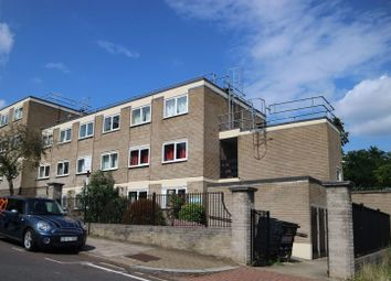 Thumbnail Room to rent in West Hill Road, Southfileds