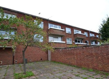 Thumbnail 1 bedroom flat to rent in Chaucer Way, Hoddesdon