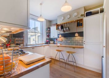 2 bed maisonette to rent in Charleston Street, Elephant And Castle, London SE17