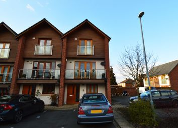 3 bed town house to rent in Grange Walk, Northfield, Birmingham B31