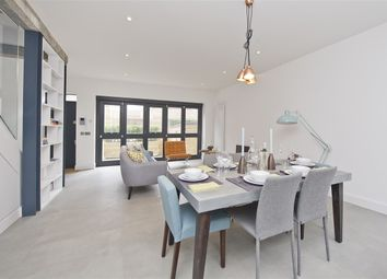 Thumbnail 2 bed mews house for sale in Parkside, Ravenscourt Park, Hammersmith