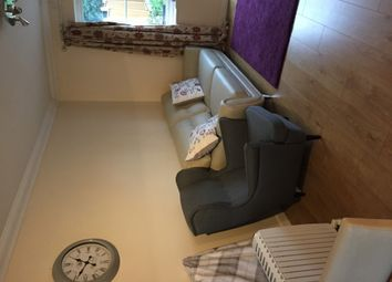 Thumbnail 3 bed town house to rent in Royal Crescent, Newbury Park