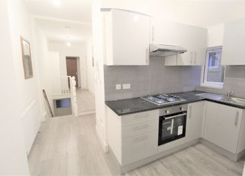 Thumbnail 3 bed flat to rent in Hertford Road, Waltham Cross