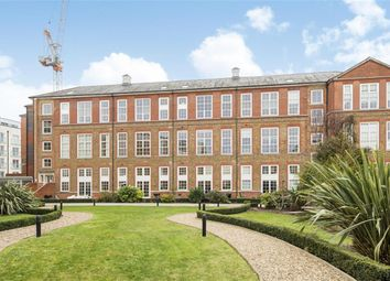 3 bed flat for sale in Enfield Road, London N1