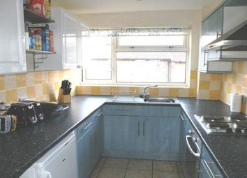 Thumbnail 2 bedroom flat to rent in Pound Road, Banstead