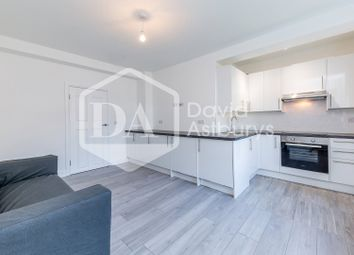 Thumbnail 4 bed flat to rent in New North Road, Hoxton Old Street, London