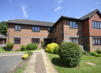 Thumbnail 3 bed flat to rent in Hervines Court, Amersham
