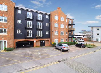 Thumbnail 2 bed flat to rent in Summers House, Aylesbury, Buckinghamshire
