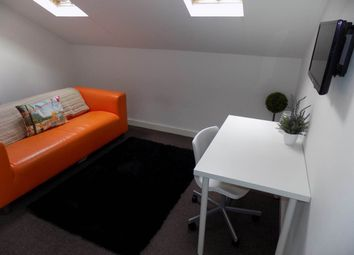 Thumbnail 1 bedroom flat to rent in Quebec Street, Bradford