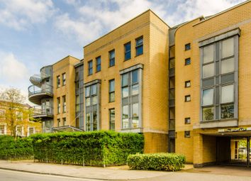 Thumbnail 1 bed flat for sale in Southgate Road, Islington