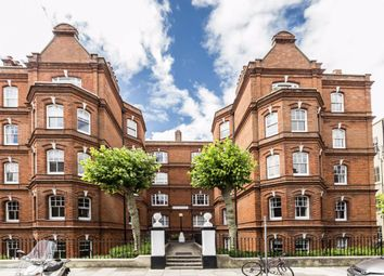 3 bed flat for sale in Queen's Club Gardens, London W14
