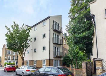 Thumbnail 2 bed flat to rent in Davenant Road, Upper Holloway, London