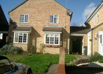 Thumbnail 2 bed flat to rent in The Shrubbery, Fields End, Hemel Hempstead