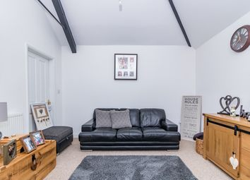 Thumbnail 1 bed flat to rent in Manorsfield Road, Bicester, Oxon