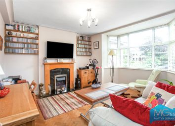 Barrington Court, Colney Hatch Lane, London N10. 2 bed flat