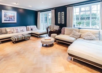 Thumbnail 5 bedroom detached house to rent in Chorleywood Road, Loudwater, Rickmansworth