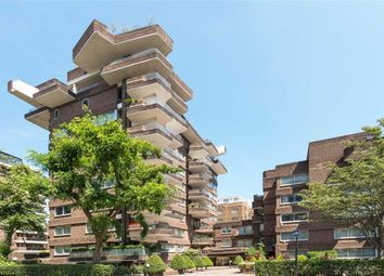 Thumbnail 9 bed flat for sale in Avenue Road, London
