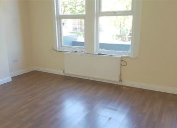 Thumbnail Studio to rent in Streatham High Road, London