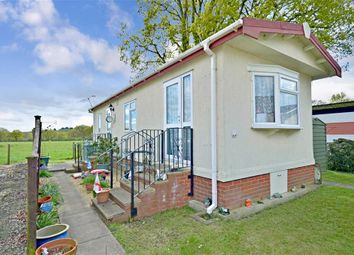 Thumbnail 2 bedroom mobile/park home for sale in Broadway Park, The Causeway, Petersfield, Hampshire