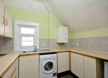 Thumbnail 1 bed flat to rent in Westwell Road, Streatham Common
