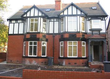 3 bed flat to rent in Dudley Road, Sale M16