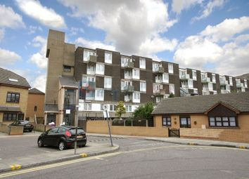 3 bed maisonette to rent in Allen Road, London E3