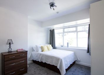 Thumbnail 5 bed property to rent in St. Annes Drive, Headingley, Leeds