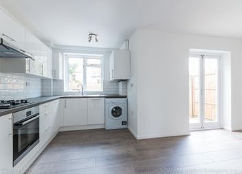 Thumbnail 3 bed town house to rent in Jennings Road, East Dulwich, London