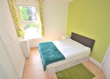 Thumbnail Room to rent in Wantage Road, Reading, Berkshire, - Room 2