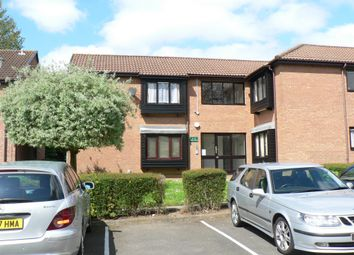 Thumbnail 1 bed flat to rent in Colin Road, Round Green
