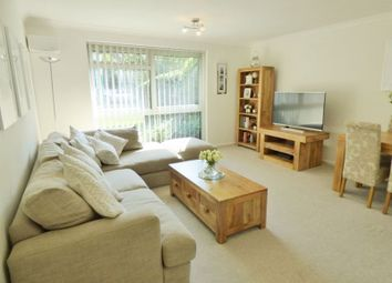 Copperfield Court, Leatherhead KT22. 2 bed flat
