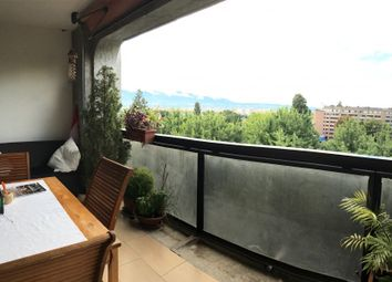 Thumbnail 2 bed apartment for sale in Geneva, Switzerland