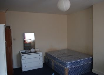 Thumbnail Room to rent in Stapleton Hall Road, London