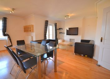 2 bed flat to rent in Golda Court, St. Mary's Avenue, Finchley Central, London N3