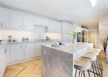 Thumbnail 6 bed terraced house for sale in Crescent Grove, Clapham, London