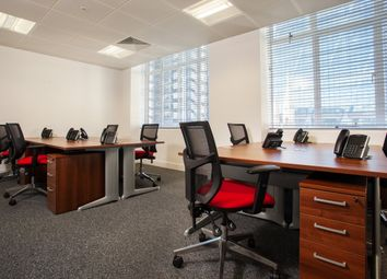 Serviced office to let in Leadenhall Street, London EC3A