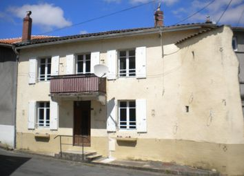 Thumbnail 2 bed town house for sale in Poitou-Charentes, Charente, Chabanais