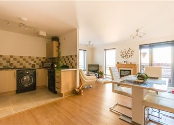 Thumbnail 2 bedroom flat for sale in Glenalmond Avenue, Cambridge