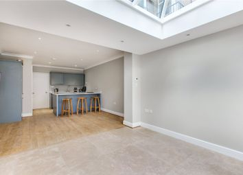 Thumbnail 4 bed property to rent in Walton Street, Chelsea, London