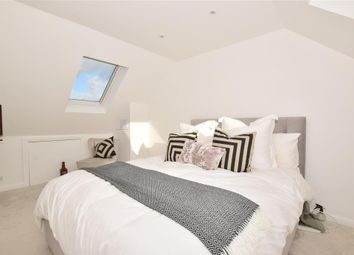 3 bed end terrace house for sale in Coppice Lane, Horley, Surrey RH6