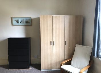 Thumbnail Room to rent in The Avenue, West Ealing