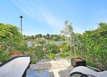 Thumbnail 1 bed flat for sale in Chancellors Wharf, Hammersmith