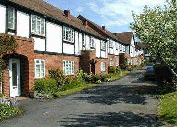 2 bed maisonette to rent in Monument Hill, Weybridge, Surrey KT13