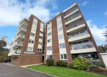Tennyson Road, Worthing BN11. 3 bed flat for sale