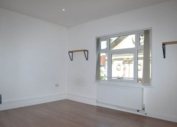 Thumbnail 2 bed flat to rent in Market Place, Newbury, Berkshire